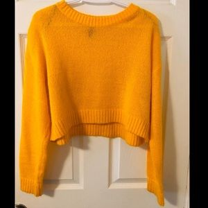 ‼️NEW‼️ H&M knit sweater(Cropped)